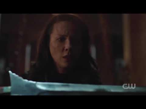 Arrow S8e3 - Thea Queen Vs Talia Al Ghul