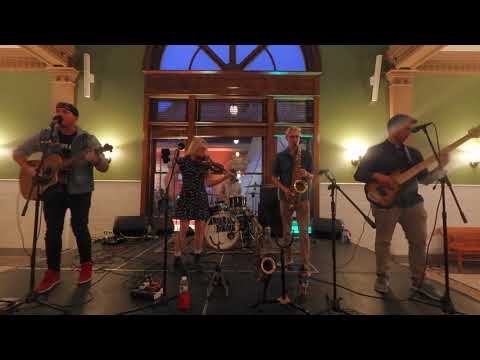 Arterial Drive performing at the TBEX Billings 2019 Closing Party - Unravel Travel TV