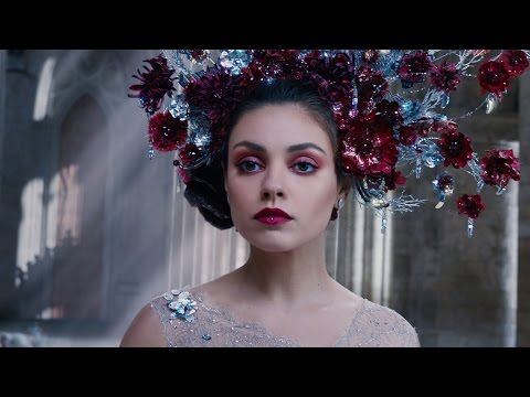 Watch 5 'Jupiter Ascending' Movie Clips