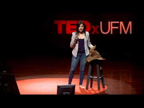 Cómo apasionarte por la literatura | Andrea  Dardón | TEDxUFM