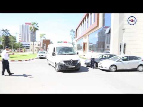 عاجل و بالفيديو : لحظة وصول الزفزافي إلى محكمة الاستئناف بالبيضاء