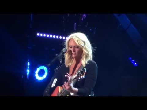 """Miranda Lambert sings """"Willin'"""" live at CMA Fest"""