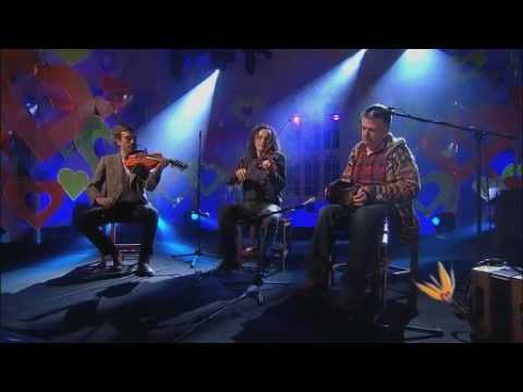 Triúir - Bob and Bernie on YouTube
