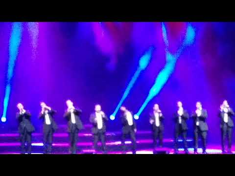 Straight No Chaser - Chicago - 12.9.17 - 12 Days of Christmas