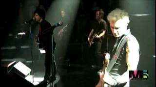 Green Day - Give Me Novacaine and She's a Rebel (live@storytellers 2005)