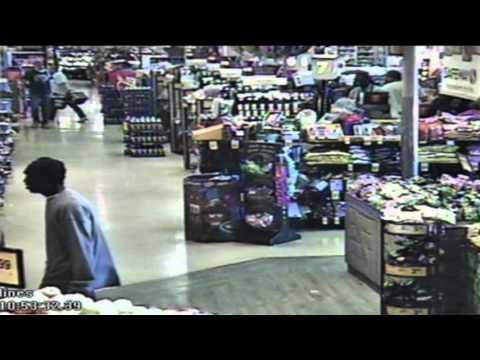 Raw Video: Surveillance Video of San Leandro Safeway Attack