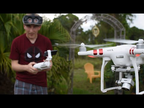 Using GEAR VR to pilot a PHANTOM 3 Drone