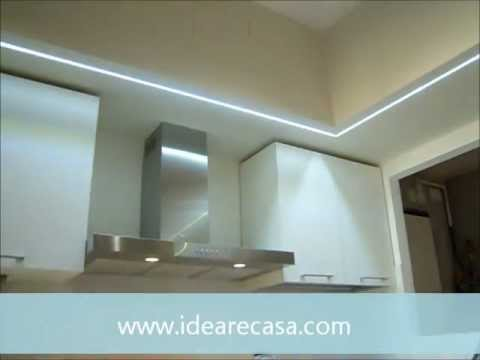 Led Per Pensili Cucina.Corner Peninsula Kitchen With Led Lights