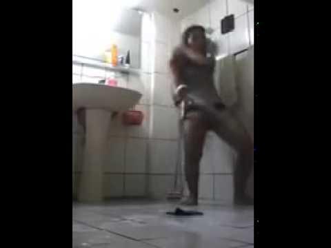 Ngocok dikamar mandi thumbnail