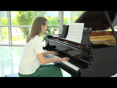 Anna Sutyagina plays The Scent of Rain by Hans Jacobi