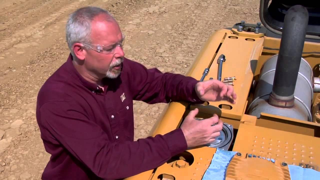 Properly Changing Filters on Hydraulic Excavators