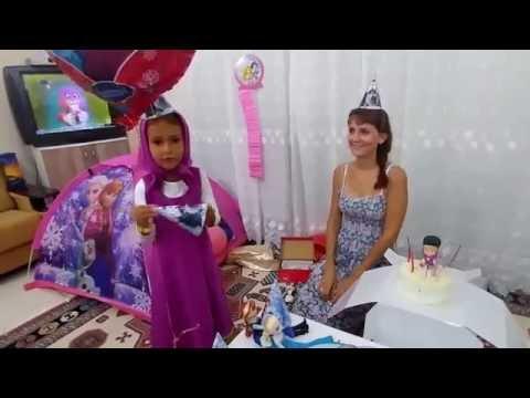 Elife evde doğum günü yaptık, Elif Maşa oldu , Eğlenceli çocuk videosu