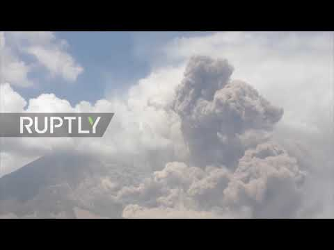 Indonesia: Airlines issued 'red notice' in Sumatra after eruption of Mount Sinabung