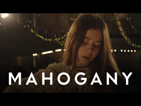 Flo Morrissey - Pages Of Gold // Mahogany Session