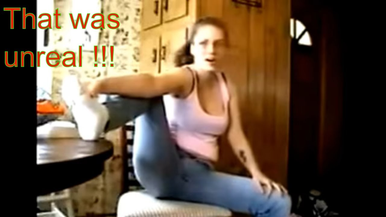 Embarrassing Girls Fart Moments,Caught On Camera -8455