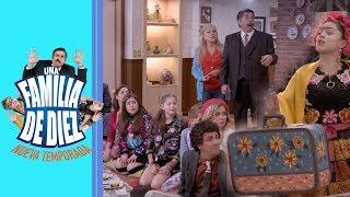 Una familia de 10: Tecla se va de la casa | C13 - Temporada 2 | Distrito Comedia