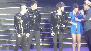 [HD FANCAM] 110715 KOREAN MUSIC WAVE 2011 SINGAPORE- BIG BANG INTERVIEW (TOP says I LOVE YOU TOO)