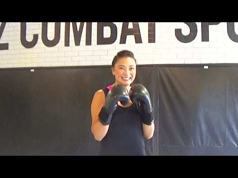 How to Kickbox - My First Time Kickboxing - Beginner Lesson