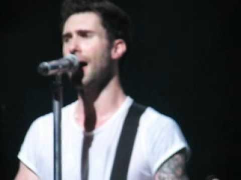 Maroon 5   Sweet Kiwi Cincinnati, Ohio