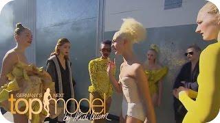 Repeat youtube video Der Streit: Plötzlich steht alles Kopf! | Germany's next Topmodel 2015 | Prosieben
