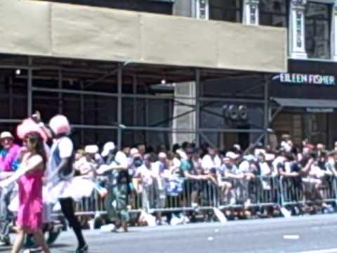 Gay Parade 2011 NYC part 1.AVI (beginning)