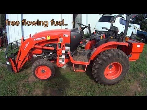 kubota B2650 fuel filter change - YouTube