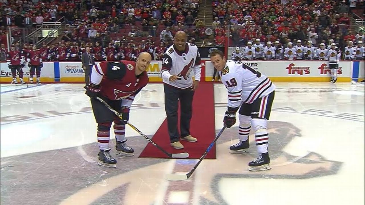 Charles Barkley drops puck at Coyotes-Blackhawks game | ESPN