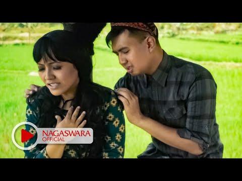 Merpati Band - Cinta Kandas Tiada Terbalas - Official Music Video - NAGASWARA