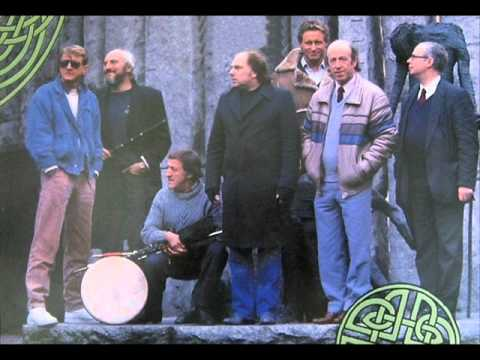 Ta´ Mo Chleamhnas De´anta - Van Morrison and The Chieftans