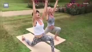 Rhian Sugden shows off her flexibility at outdoor yoga class : Health care