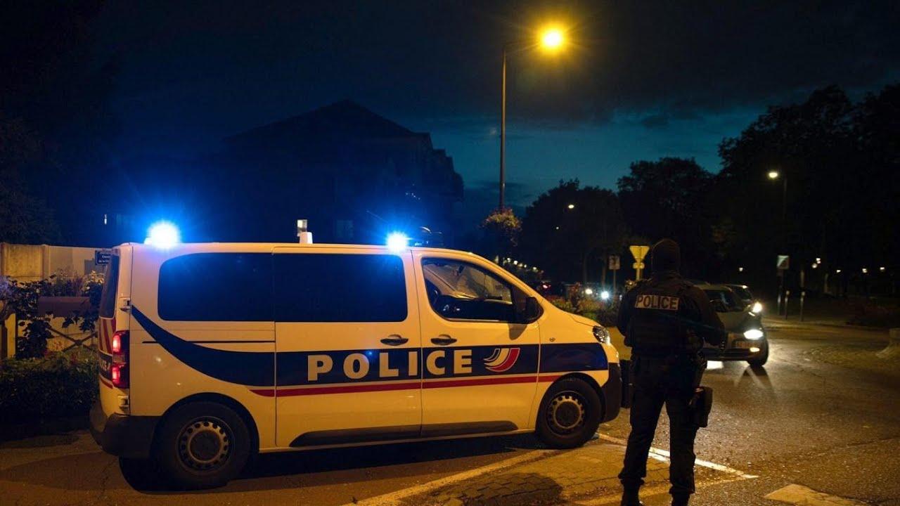Download L'assassinat d'un professeur à Conflans !