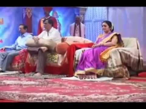 'SHRI ANIRUDDHA CHALISA' with BAPU, NANDAAI & SUCHITDA