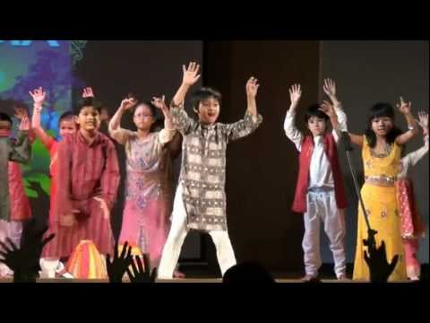 Children Dance to Jaiho, From Slumdog Millionaire