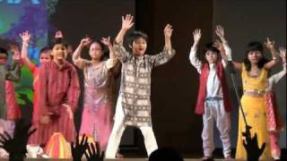 Children Dance to Jaiho, From Slumdog Millionaire