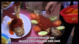 Repeat youtube video 扎根 Baba dan Nyonya (Malay Subtitles) - 峇峇老屋裏的春天