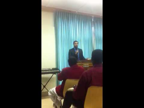 Prédication sur le SaintEsprit avec Évangéliste Patrick va