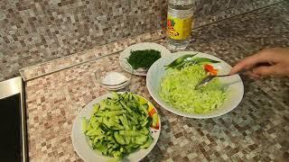 Гречневая каша и салат закусочный.