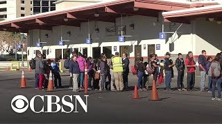 ICE unexpectedly drops hundreds of migrants at El Paso bus station