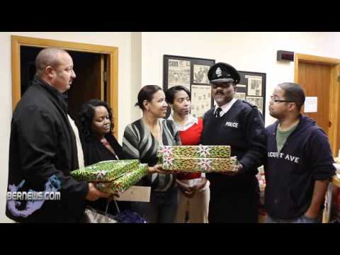 Somerset Police Officers Bring Gifts to Hott 1075FM.wmv