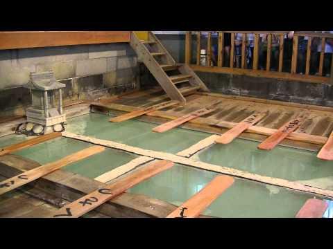 japan no1 hot springs(kusatsu) traditional action 草津 湯もみショー