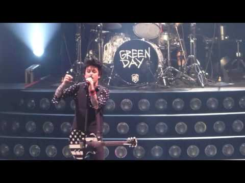 """""""Bunny Dance & Know Your Enemy(Fan Onstage)"""" Green Day@Pittsburgh 3/25/17"""
