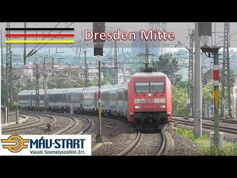 Treinen op station Dresden Mitte #1 (D)
