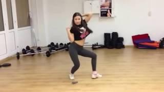 Крутой танец девчонки