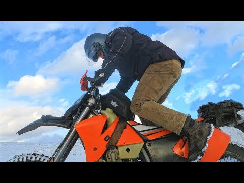 KTM 520 DIRT BIKE IN SNOW !! (& COUNTER SHAFT SEAL REPLACEMENT)