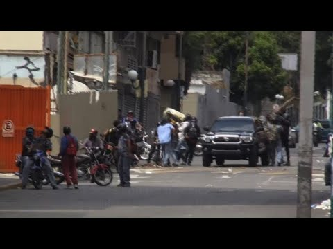 Groups of armed men on motorbikes roam Venezuela capital