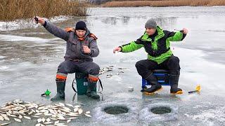 ВОТ ЭТО ЛУНКА У НЕГО РЫБАЛКА ВЕСНОЙ со ЛЬДА на реке Северский Донец