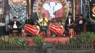 Simawar Bandung Sunda/Pencak Silat-HPSI Gadjah Putih Gemah Bubuka.mp4