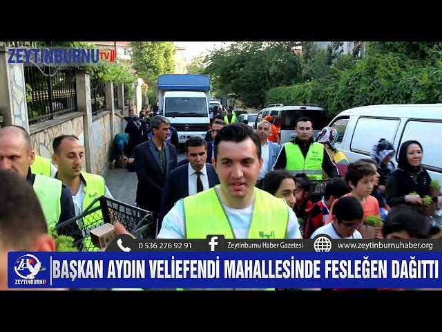 Belediye Başkanı Murat Aydın Veliefendi Mahallesinde Fesleğen dağıttı