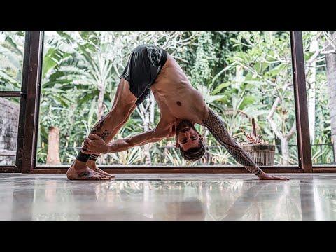 40-minute-vinyasa-flow-yoga-for-true-upper-body-strength