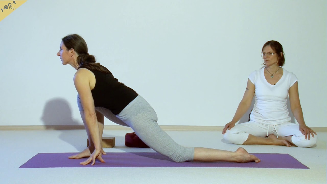 Yin Yoga Drache Einzelne übung Mit Shanti Und Kathie Youtube